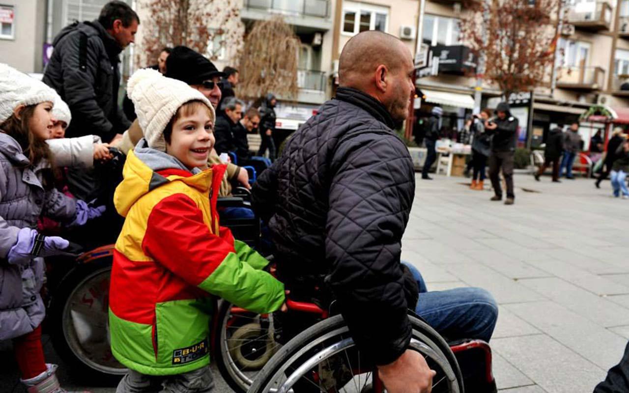 Shënimi i 3 Dhjetorit, Ditës Ndëkombëtare të Personave me Aftësi të Kufizuar (2013)