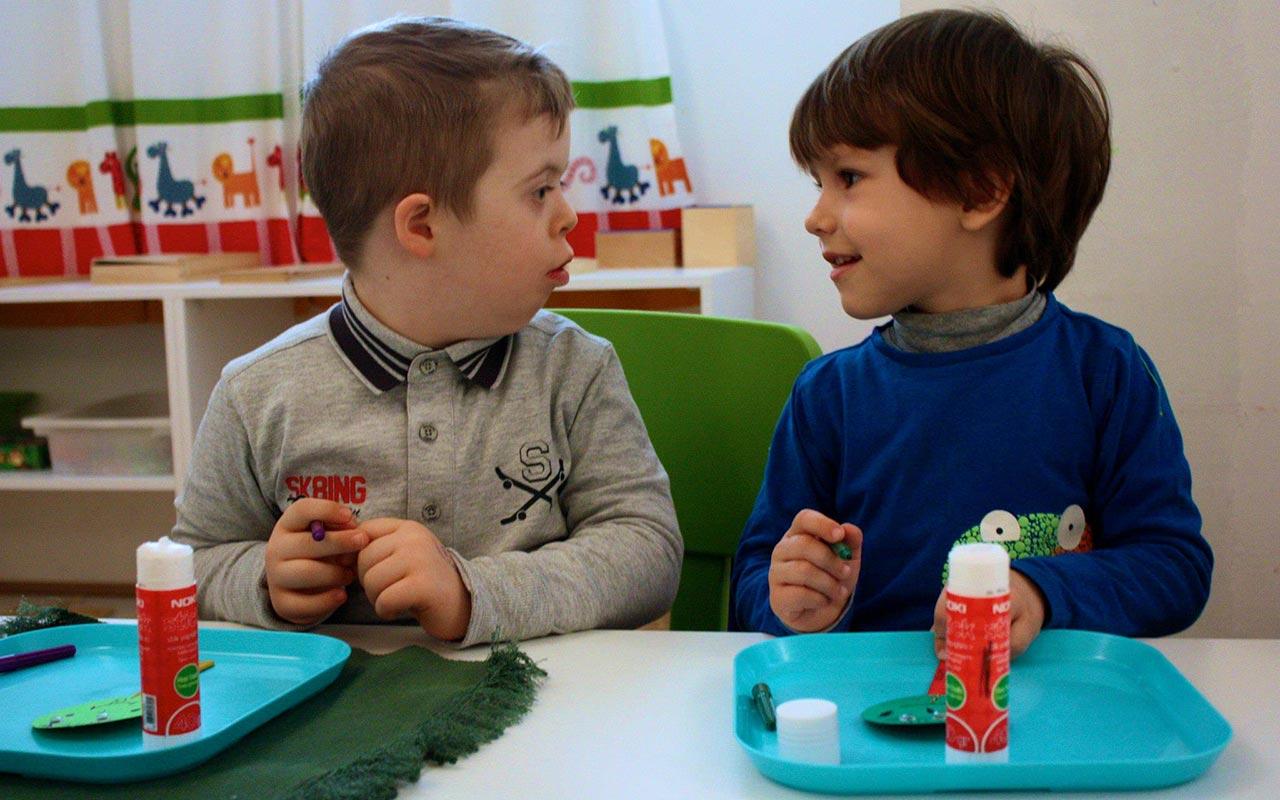 Aktivitete me fëmijët e Down Syndrome Kosova për shënimin e Ditës Ndërkombëtare të Sindromit Down (2015).